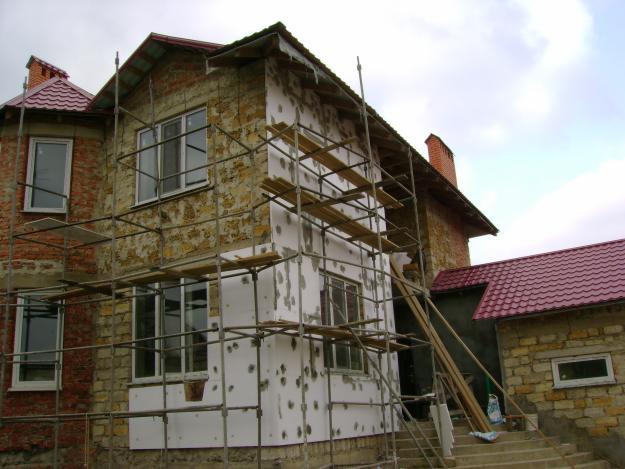 Фасад дома короедом покраска фото